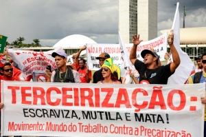 LBJR_Manifestacao-CUT-em-Brasilia0107042015